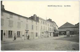 79 MAUZE Les Halles ( Postes Télégraphes Facteur ) CPA Ed. Mme Robert Hillairet - Mauze Sur Le Mignon