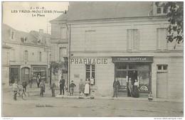 86 LES TROIS MOUTIERS La Place CPA Ed. Dando-Berry N°5 - Les Trois Moutiers