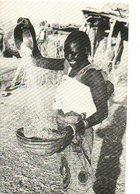 Tjaad Missie Landbouwwerk Vrouw Woman Frau  Femme Mission Agriculture (2 Scans) - Missions