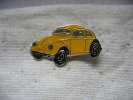 Pin's Coccinelle Couleur Jaune De La Marque WOLKSWAGEN - Volkswagen