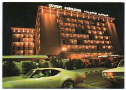 KUWAIT - SHERATON HOTEL KUWAIT / OLD CARS - OLDSMOBILE/PLYMOUTH - Koweït