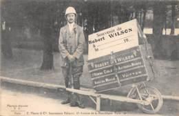 75 - Paris / 10163 - Souvenir De Robert Wilson - L' Homme Cible Autour Du Monde - France
