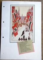 DR Zeichnung Die Stadt Ist Geschmückt Auf Selbstgestaltetem Sammlerblatt Foto Straße Mit Hakenkreuzfahnen - Cartas
