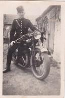 Photographie Originale - Gendarme Avec Sa Moto - Marque à Déterminer - Motocyclette - Photos