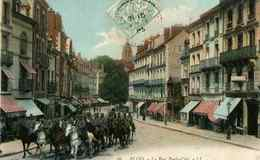 BLOIS - Revue Militaire Dans La Rue Porte Côté - Blois