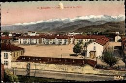 Cp Grenoble Isère, Caserne Bayard Et Les Alpes, Blick Auf Die Kaserne - Militaria