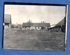 Photo  -  Soldats Allemands -  Campement à L Arrière -  Inscription Bade Anstal - War 1914-18