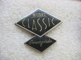 Pin's Ford MUSTANG Classic Avantgarde - Ford