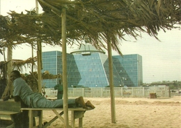 Lagos (Nigeria) Two Kinds Of Building (Bank Building At Bar Beach) - Nigeria