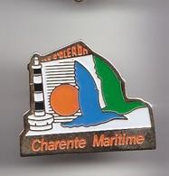 Pin's Ile D'Oléron  En Charente Maritime Dpt 17 Phare Mouette Réf 5008 - Villes