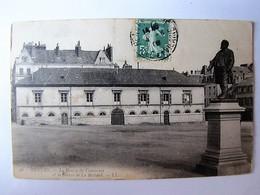 FRANCE - ILLE ET VILAINE - RENNES - La Bourse Du Commerce Et La Statue De Le Bastard - Rennes