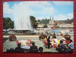 Suisse . LUZERN / LUCERNE . Fontaine Wagenbach Sur La Place De La Gare ( Timbre Suisse ) - LU Lucerne