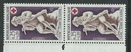 [27] Variété : N° 1540 Croix-rouge 1967 Timbre Plus Petit Tenant à Normal ** - Varieties: 1960-69 Mint/hinged