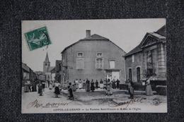 LIFFOL LE GRAND - La Fontaine ST VINCENT Et La Rue De L'Eglise. - Liffol Le Grand