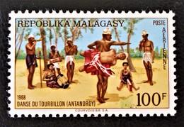 DANSE DU TOURBILLON 1968 - NEUF ** - YT PA 107 - MI 593 - Madagaskar (1960-...)