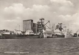 Frachtschiffe In Nordenham (Weser), Gelaufen - Handel