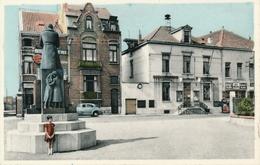 RUISBROEK - Gemeenteplaats En Gemeentehuis - Sint-Pieters-Leeuw