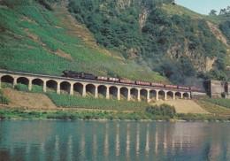 195488Dampf-Güterzuglokomotive Der Baureihe 44 - Trains