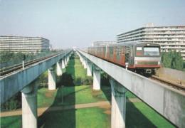 1954114GVB: De Gelede Metrorijtuigen 34 En 21 Zijn Zojuist Vertrokken Uit Het Station Kraaiennest In Amsterdam Zuid Oo - Trains