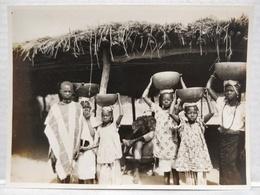 Gambie. Scène De Village. 11.5x8.5 Cm - Africa
