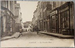 03 CPA GANNAT LA GRANDE RUE - Otros Municipios