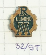 LEMIND Leskovac (Serbia) Tracteur Equipment Plow, Tractor Tracteur Trattore Traktor / Agricole Agricultural Machinery - Badges