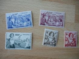Erinnophilie   Lot De 5  Mutualite Postale 1 , 5 10 , 20 Et 100 F Vignette Timbre - Erinnophilie