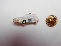 Beau Pin's , Médical ,  Ambulances Renaud , Auto Citroën XM , Gannat , Allier - Citroën