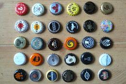 30 Capsules De Bouteilles De Bière - Toutes Différentes - Tous Pays (voir Scan) - Beer