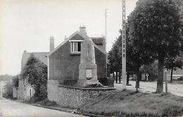 ERAGNY-SUR-OISE - ( 95 ) - Le Monument Aux Morts    (C.P.S.M. - Pt - Ft - ) - Eragny