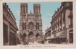Marne :  REIMS :  Rue   Libergier  , Place Du  Parvis - Reims