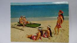 Les Tahitiennes - Polynésie Française