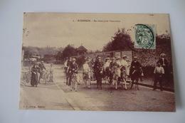 CPA 92 HAUTS DE SEINE ROBINSON. En Route Pour L Excursion. - Francia