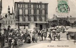 NIORT   -  Place Des Halles - Niort