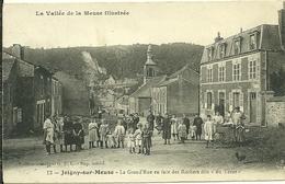 08 Ardennes  JOIGNY SUR MENSE La Grand Rue En Face Des Rochers Dit DU TERNE Trés Animée - France
