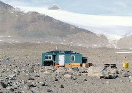 1 AK Antarctica Antarktis * Researches Live In Field Camps On The Lake Fryxell In The Transantarctic Mountais * - Cartes Postales