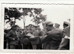 Privates Echtfoto ,  Der Führer Im Gespräch Mit Offizieren - Guerra 1939-45