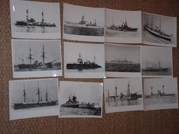 Rare! Beau Lot De 25 Photos Anciennes Cuirassé Tampon à L'arrière Militaria Navire - Guerre, Militaire