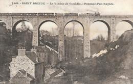 22 ST BRIEUC LE VIADUC DE GOUEDIC AVEC TRAIN PASSAGE DUN RAPIDE - Saint-Brieuc