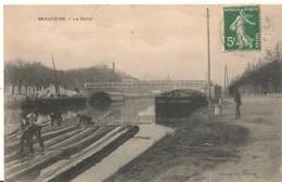 BEAUCAIRE  :Le Canal - Les Bateliers Assemblent Les Grumes De Bois Pour Le Flottage (rarissime) - Beaucaire
