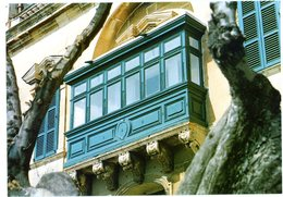 Malta. Traditional Maltese Wooden Balcony. Balcon Traditionnel Maltais En Bois. Malte. - Malte
