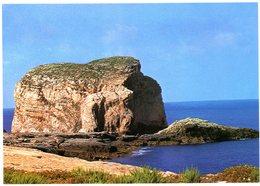 Malta. Gozo. Fungus Rock (Hagret-el-General). Dwejra. Pierre Champignon. Malte. - Malte