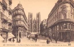 BRUXELLES - La Rue De L'Eglise Sainte-Gudule - Lanen, Boulevards