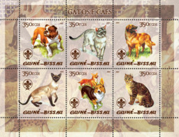 Guinea Bissau 2005  Cats & Dogs (also Logo Of Scouts) - Guinea-Bissau