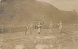 I10 - MILITARIA - Carte Photo - Remise De Décoration D'un Poilu En 1919 - Guerres - Autres