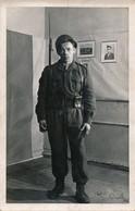I10 - MILITARIA - Carte Photo - Un Soldat Français En Allemagne En 1950 - Guerres - Autres