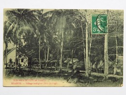 C.P.A. : TAHITI : HUAHINE : Village Indigène, Baie De Cook, Timbre En 1908 - Tahiti