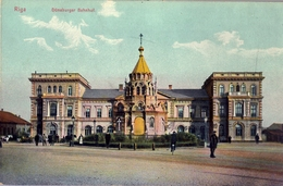 LETONIA , LETTLAND , TARJETA POSTAL SIN CIRCULAR , RIGA - ESTACIÓN DEL FERROCARRIL - Letonia