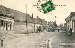80 - Corbie - Rue De La Gare - Véhicules Avec Des Militaires Anglais - Corbie