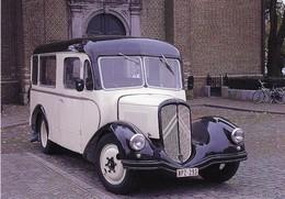 Ancien Bus De Marque Citroen Devant Une Eglise    -  15x10cm  PHOTO - Bus & Autocars